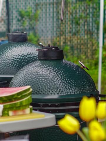 Big Green Eggs were used everywhere