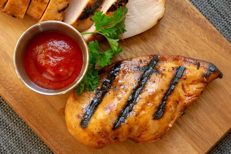 Easy Grilled Honey Sriracha Chicken Recipe