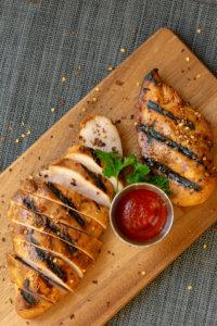 Easy Grilled Honey Sriracha Chicken Recipe