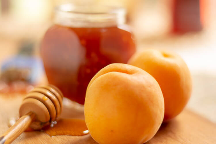 Simple Apricot BBQ Sauce