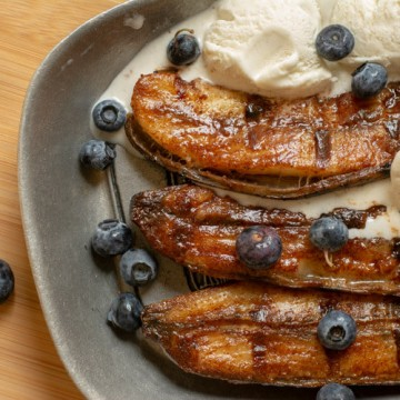 Grilled Honey Cinnamon Bananas with Blueberries