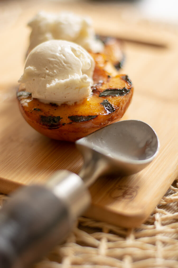 Sweet Grilled Peaches with Ice Cream