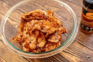 Bowl of Chicken Wings rubbed with Crossroads spice mix from DizzyPig